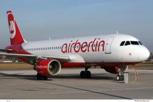 Air Berlin, carrello bloccato: panico a bordo