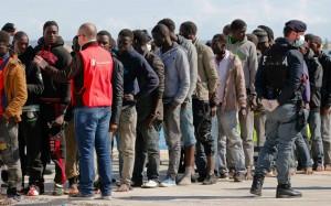 Migranti, Alto Adige sospende Schengen: 400 dalla Baviera