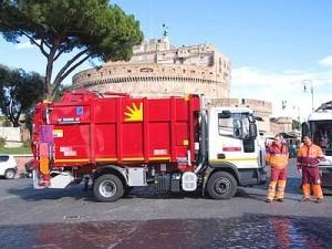 Roma, Ama: netturbini in piazza, rifiuti in strada
