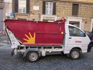 """Roma, privati in Ama? Marino: """"Possibile"""""""
