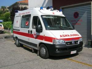 Falconara: bus fuori strada, 5 feriti
