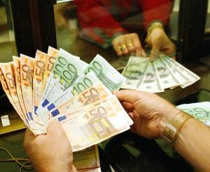Salvataggio banche: dal 2016 pagano azionisti e correntisti