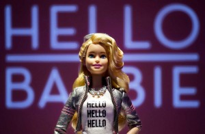 """Barbie, arriva quella che """"pensa"""": a Natale negli Usa"""