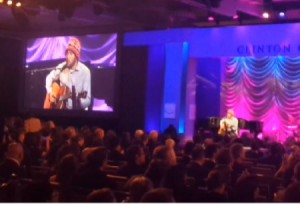 New York, Ben Harper canta a Clinton Global Initiative