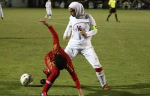Niloufar Ardalan, calciatrice Iran non può giocare. Marito...