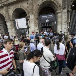 Colosseo, coop dietro rissa sindacati cattivi e ministro...