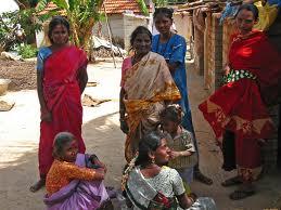 India, donna dalit costretta a bere urina da casta superiore