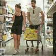 Emma Marrone e Fabio Borriello fanno spesa insieme: foto Chi2