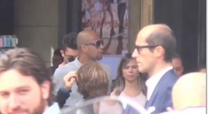 Felipe Melo, shopping a Milano con la moglie Roberta