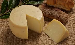 Samolaco (Sondrio) l'ex sindaco mangia formaggio e muore