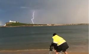 VIDEO YOUTUBE Fulmine colpisce fotografo: Ora ho superpoteri
