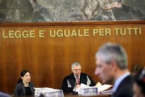 """Sentenza: """"Governo rinnovi i contratti"""". Rinnovo = aumento?"""