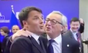 VIDEO Juncker dà a Renzi pacca sulla spalla: ha bevuto?