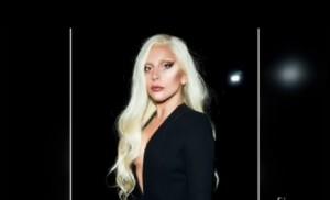 Lady Gaga, sotto la scollatura...assolutamente niente