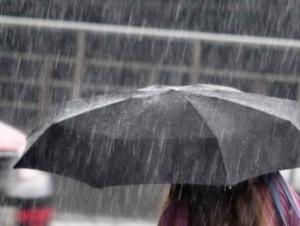Meteo, maltempo arriva al nord: piogge e temporali