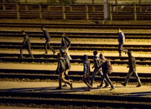 Calais, giovane migrante travolto da treno nell'Eurotunnel