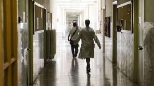 Bologna: di nascosto in ospedale per una doccia. Assolto
