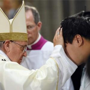 """Il """"divorzio"""" di Papa Francesco: salva evasori di alimenti"""