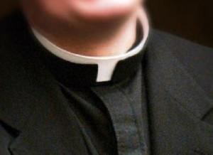 """Parroco chiude chiesa per """"scandalo"""": """"Quel bimbo non è mio"""""""