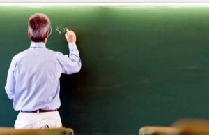 Scuola: a ottobre 500 euro netti in busta paga ai prof
