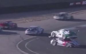 Rally, auto sull'altra: incidente è comico