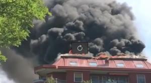 VIDEO YouReporter. Rozzano, va a fuoco palazzo: 100 evacuati