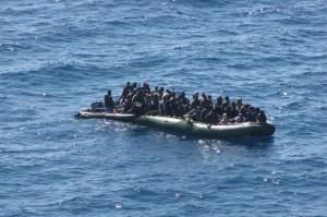 Ue, sì uso della forza contro scafisti: arresti in alto mare