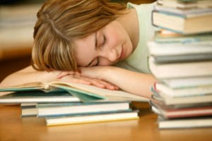Lavorare e studiare dopo le 10: lo dice la scienza