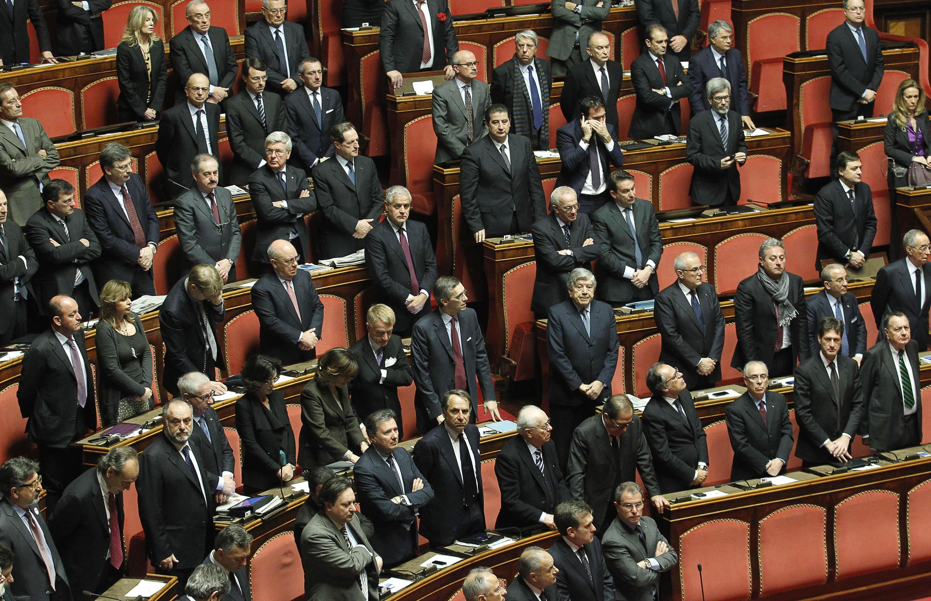 Senato co possibile italiano medio non sappia mai nulla for Il senato italiano