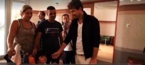 Alessandro Siani dona macchinario al Gaslini di Genova VIDEO