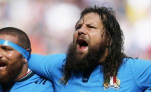 Francia-Italia 32-10 (15-3), in una partita della prima giornata della Coppa del Mondo di rugby. Francia: Spedding; Huget (15'st Fickou), Bastareaud, Dumoulin, Nakaitaci; Michalak (36'st Talès), Tillous-Borde (17'st Parra); Picamoles (25'st LeRoux), Chouly, Dusautoir; Maestri (28'st Flanquart), Papé; Slimani (23'st Mas), Guirado (22'st Kayser, 27'st Guirado, 35'st Kayser), Ben Arous (22'st Debaty). Allenatore: Saint-André. Italia: Mclean; Sarto Campagnaro, Masi (11'pt Baccchin), Venditti; Allan, Gori (32'st Palazzani); Vunisa, Minto (22'st Favaro), Zanni; Furno (32'st Bernabò), Geldenhuys; Castrogiovanni (5'st 18 Cittadini), Ghiraldini (23'st Manici), Aguero (5'st Rizzo). (22 Canna). Allenatore: Brunel. Arbitro: Joubert (Sudafrica) Marcatori: nel pt 7' Michalak c.p., 10' Michalak c.p., 28' Michalak c.p., 34'pt Allan c.p., 38' Michalak c.p., 40' Michalak c.p.; nel st 2' Michalak c.p., 4' Slimani meta tr. Michalak, 12' Venditti meta tr. Allan, 29' Mas tr. Michalak. Spettatori: 76.232.