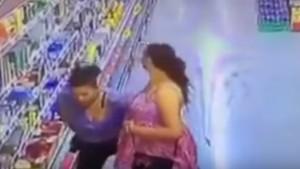 VIDEO YouTube - Donne rubano cibo e se lo infilano...