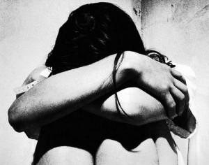 Pagavano genitori per stuprare ragazzina di 13 anni