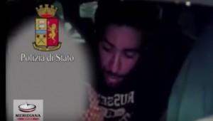 """VIDEO YouTube, """"Soldi o ti uccido"""": rapina 6 taxi, arrestato"""