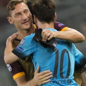 VIDEO YouTube - Totti chiede a Messi una foto col figlio...