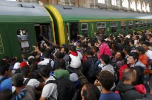 """Quote migranti """"obbligate e permanenti"""". Chi non vuole paga"""