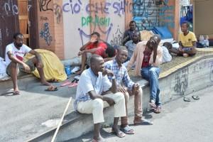 Migranti a Ventimiglia, foglio di via a chi li aiuta