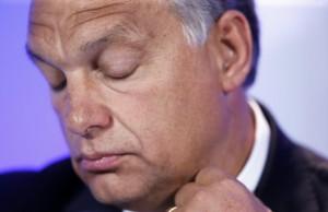 Orban: Arresto e tre anni a tutti i migranti. Dove li mette?