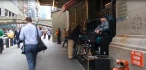 A New York vai in strada e trovi...il lucida scarpe