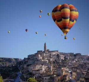 Matera, cade mongolfiera: 2 studenti morti al Baloon Festival