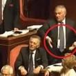 YOUTUBE Barani-D'Anna indicano genitali a Lezzi-Taverna3