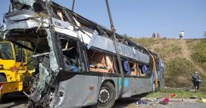 Germania, autobus con bambini si ribalta: feriti gravi