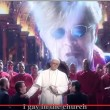 """Crozza duetto Papa Francesco-Elton John: """"Gay in the church"""""""