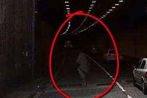 VIDEO YouTube - Fantasma nel tunnel a Cork?