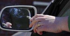 Stop fumo in auto con bimbi e donne in gravidanza