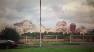 Glasgow, demolizione torri riesce solo a metà