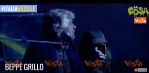YOUTUBE Beppe Grillo canta brano dei Blues Brothers a Imola