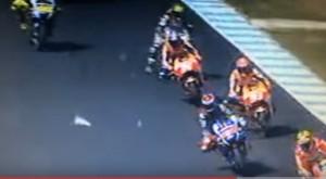 Moto Gp, Iannone investe gabbiano in pista