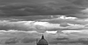 Maltempo allerta rossa a Roma. Pioggia su quasi tutta Italia
