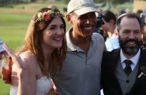 Obama gioca a golf...e irrompe al matrimonio
